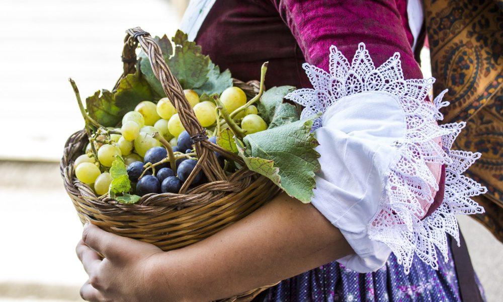 SELARGIUS, ITALIA - 2014 SETTEMBRE 14: Antico sposalizio selargino - Sardegna