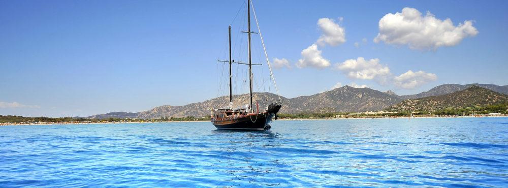 Villasimius in barca a vela